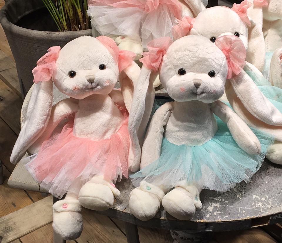 Kaninen Dansande Monique, 20cm - Bukowski Design (Rosa kjol)